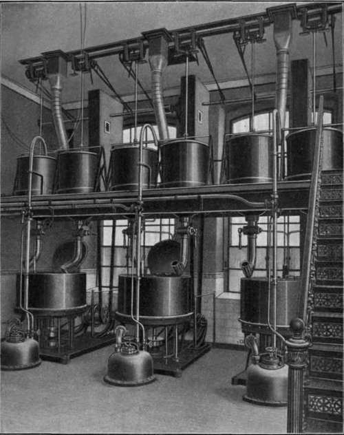 Apparatus for maceration and separation of the fat from the flowers by means of centrifuges. (Schimmel & Co.).
